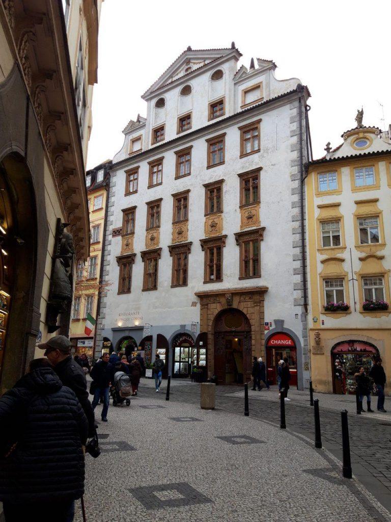Чехия очень красивая страна с богатой историей
