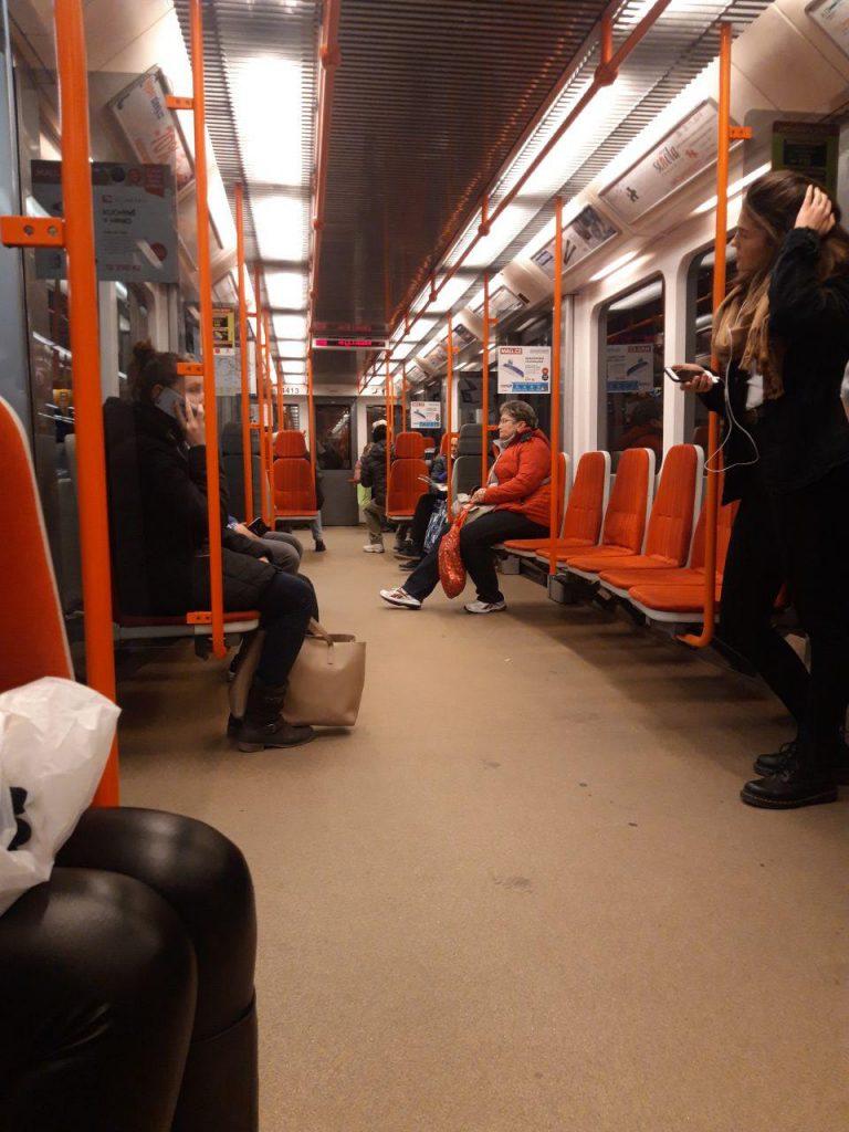 вагон пражского метро